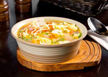 De ce e supa de pui atât de populară?