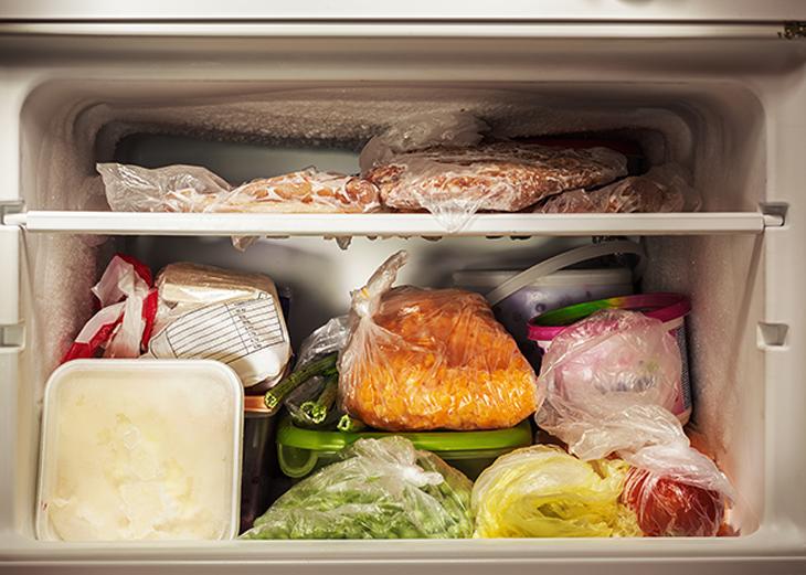 interior de congelator cu mancare