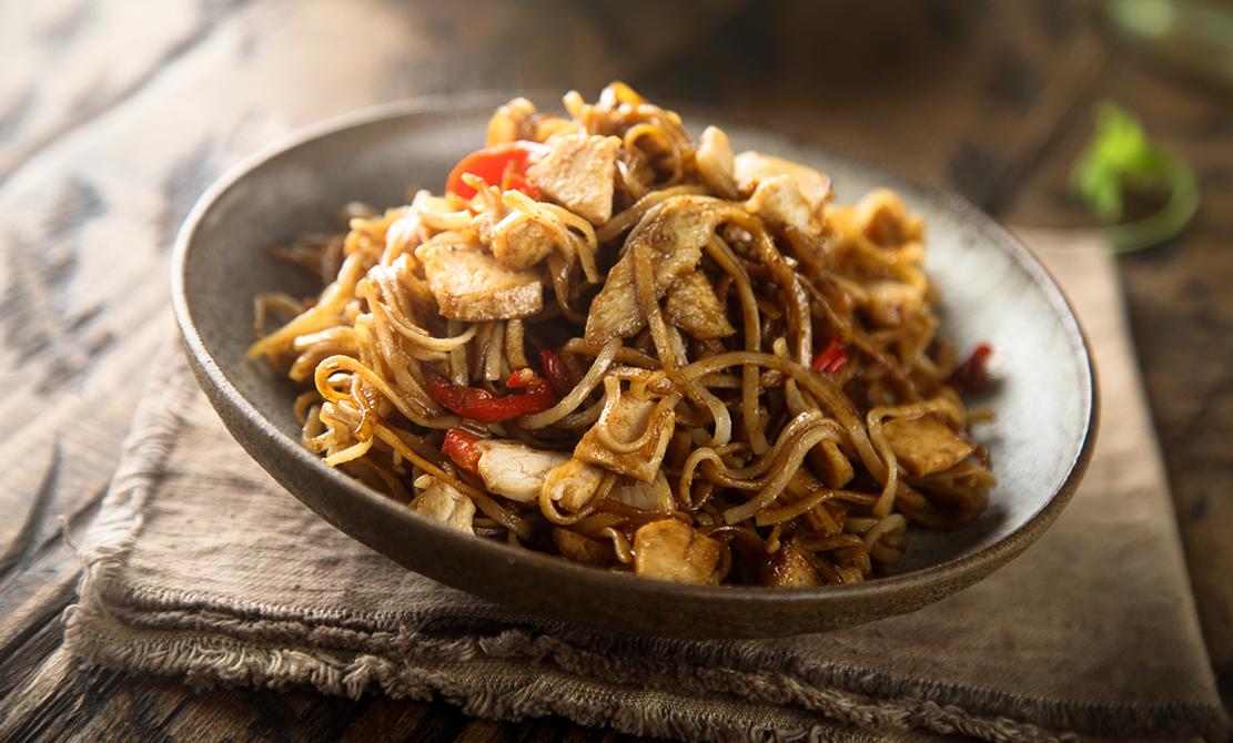 01 Noodles Cu Pui Picant Și Ouă