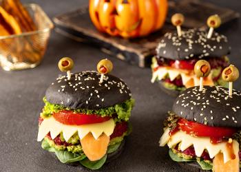Iată cum organizezi acasă un Halloween delicios